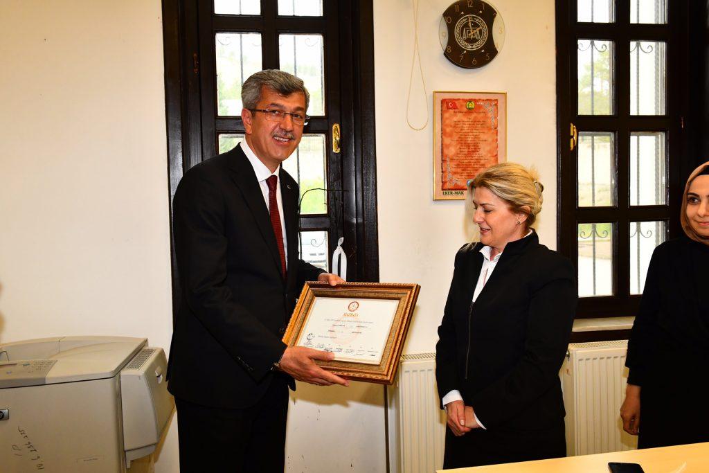Beypazarı Belediye Başkanı Tuncer Kaplan Mazbatasını Aldı