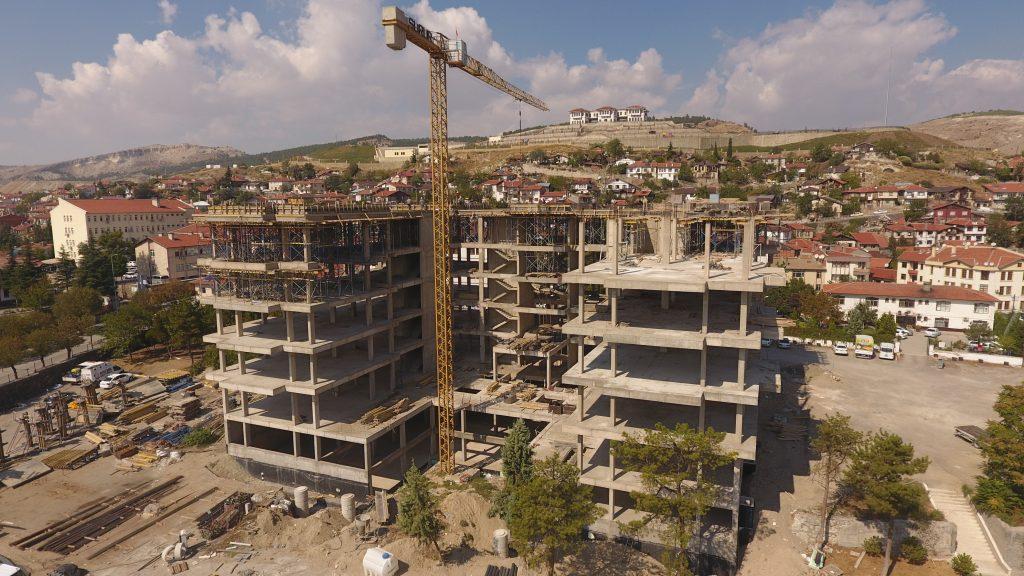 Yeni Belediye Hizmet Binası Çalışmaları Sürüyor